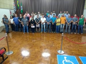 10-12-18-Autoridades e proprietários e representantes das empresas que participaram do processo de eleição da primeira diretoria da Assomarc