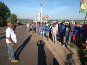 22-01-19-Em assembleia, coordenada pelo presidente do Sinticompi, Milton Costa, os trabalhadores decidiram esperar os pagamentos para retornar ao trabalho