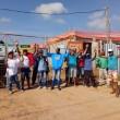 16-04-19-Grupo de trabalhadore em frente às obras de construção da escola do bairro